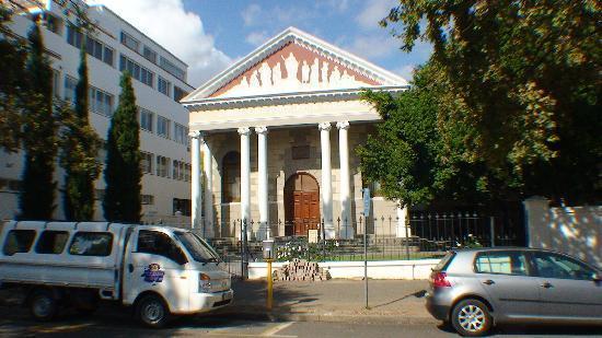 Alluvia Wine Estate: Church on main street of Stellenbosch