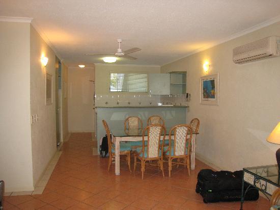 Palm Cove Tropic Apartments: Apartment
