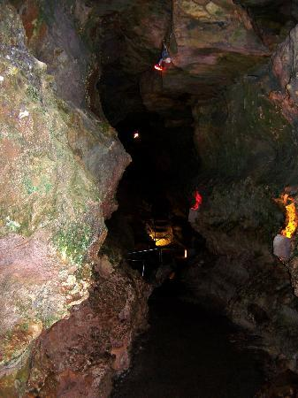 Wonder World Park: inside the earthquake formed cave