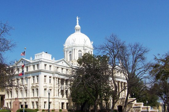 Waco, Техас: the McLennan County Courthouse