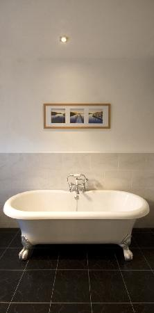 Ffarm Country House: Superior bathroom - the Florence room