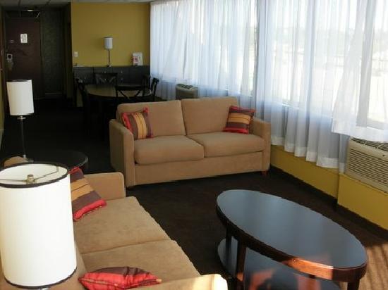 Dartmouth Oceanview Hotel: Penthouse Suite