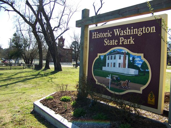 Historic Washington State Park: the sign at the entrance to the state park