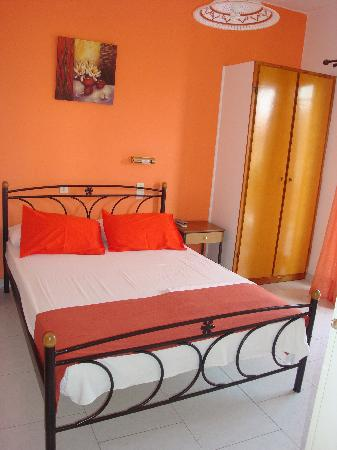 Aggelos Appartments: Bedroom 1