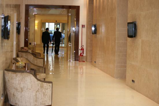 UNA Hotel Roma: Lobby