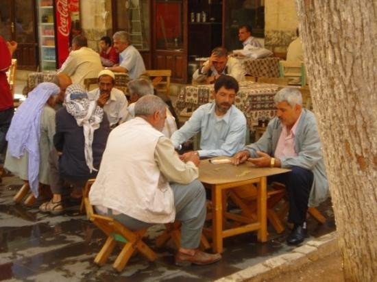 Sanliurfa, Turkey: Gümrük Han, Şanlıurfa.  Domino oynayan amcalar