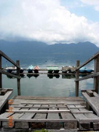 ปาดัง, อินโดนีเซีย: Danau Maninjau, West Sumatra 2006