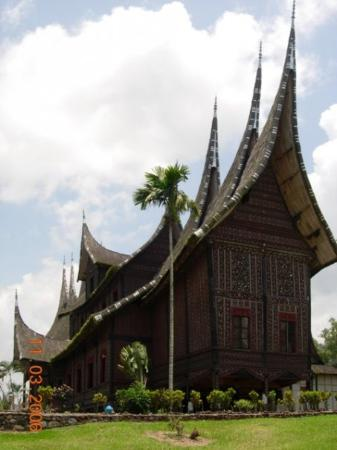 Bukittinggi, Indonesia: Istana Pagaruyung, West Sumatra 2006
