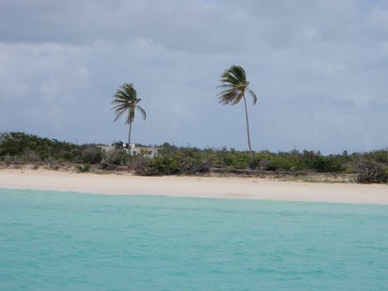 The sky is clearing up as we arive to the south shore of Anguilla