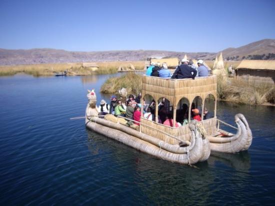 Lago Titicaca - Isla Uros - Picture of Isla Taquili, Puno Region ...