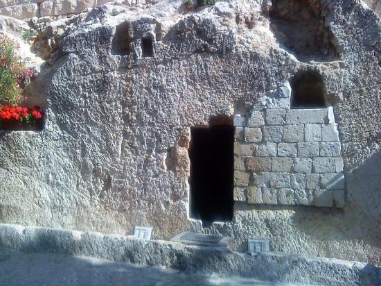 Gartengrab: The Garden tomb of Jesus. He's not there. he is risen!