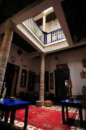 Riad Dar Afram : The 1st floor lounge area