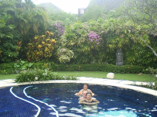 Impiana Private Villas Seminyak: Our private pool in Villa 19