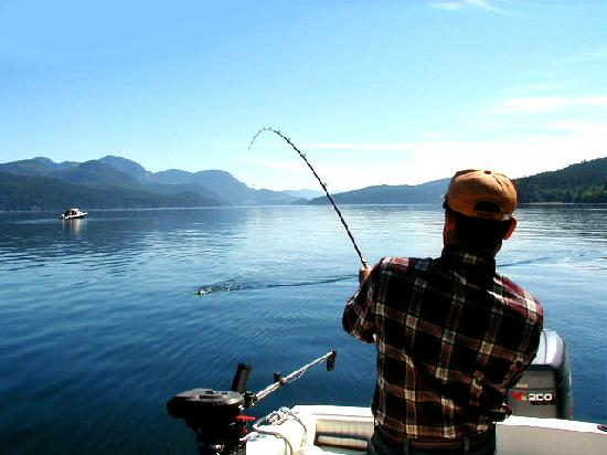 AG-Fish Enterprises Salmon Fishing Charters : Quadra island Fishinfg Gudes