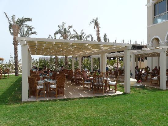 Premier Le Reve Hotel & Spa (Adults Only) : Beach restaurant