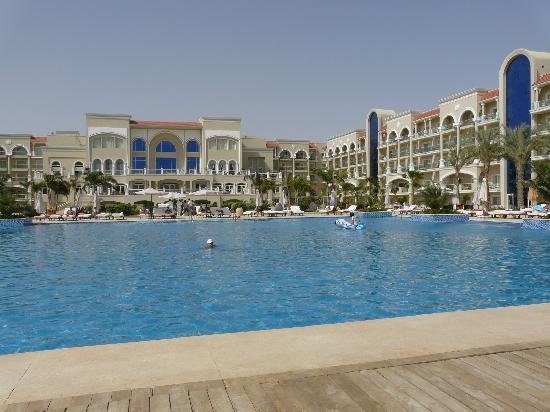 Premier Le Reve Hotel & Spa (Adults Only) : Main swimming pool