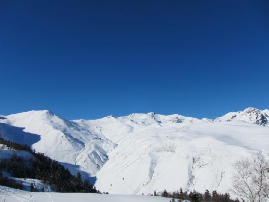 Station de ski - Saint Lary Soulan : サンラリー1700エリアから1900・2400エリアを見た図