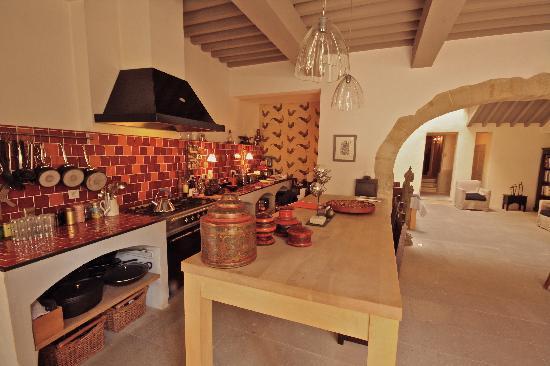 La Maison Sur La Sorgue - Esprit de France : Kitchen