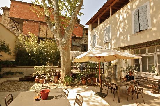 La Maison Sur La Sorgue Esprit De France Garden