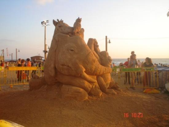 concurso de figuras de arena en haifa