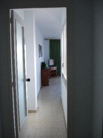 Apartaments Condado: Hallway