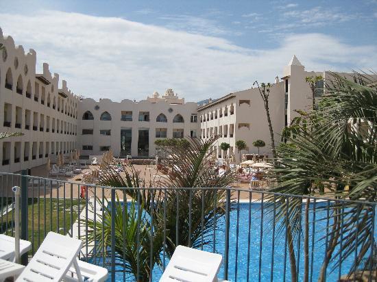 Hotel Mac Puerto Marina Benalmadena: da sopra piscine