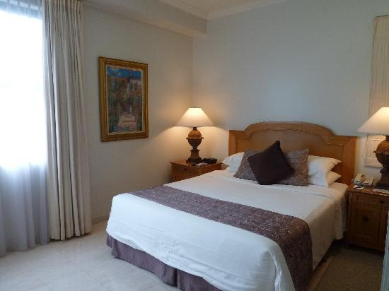 Aryaduta Semanggi -2bed Suites-Materbed room
