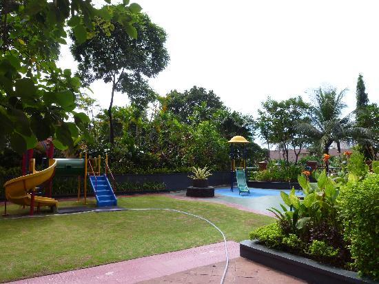 Hotel Aryaduta Semanggi: Aryaduta Semanggi -2bed Suites-Play ground