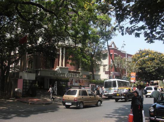 Ramee Guestline Dadar Hotel : ホテル正面
