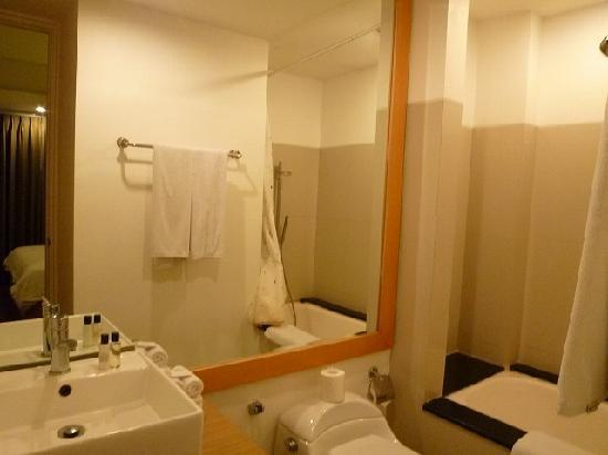 Sunset Residence Condotel: Sunset Condotel -2bed-Master bed Bathroom