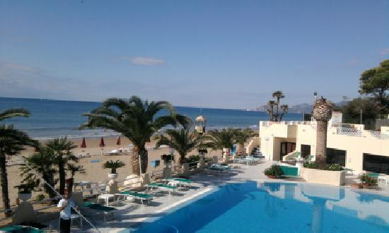 La Playa Grand Hotel: view from balcony