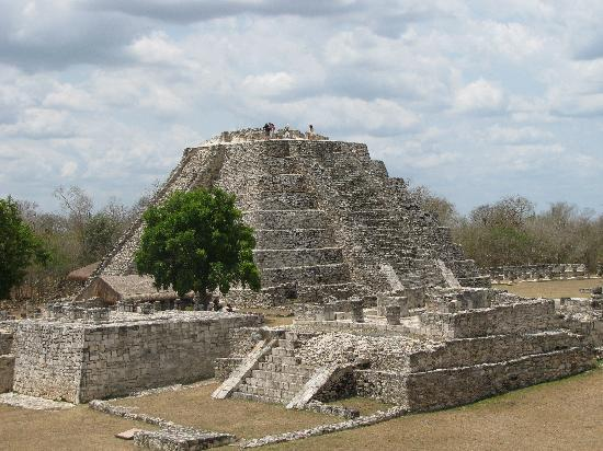 Mayapan Mayan Ruins : april 2010 vacation