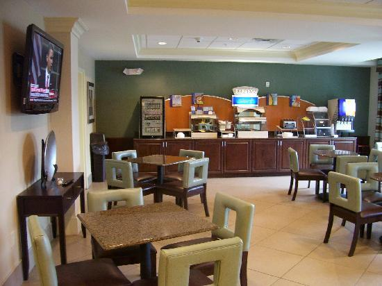 Holiday Inn Express Hotel & Suites Smyrna-Nashville Area: Breakfast area