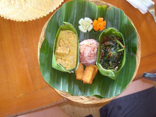 Sananda Bungalows : delicious food