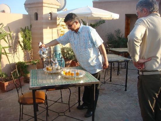 Dar Tasnime: Accoglienza col te in terrazza