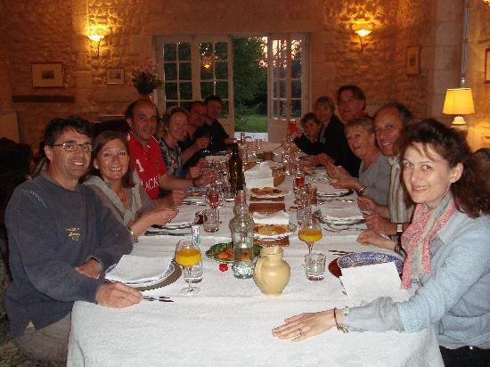 Chambres d'hotes Saint Emilion Bordeaux: Beau Sejour: Une superbe soirée entre amis