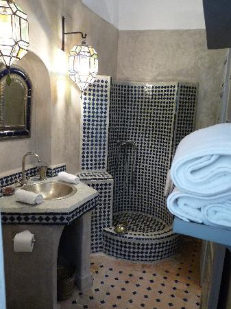 "Riad Malaika: ""Tamayyourt"" Double Room Bathroom"
