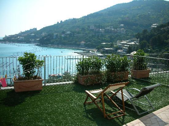 Residence i Gabbiani: Amazing views from the balcony!