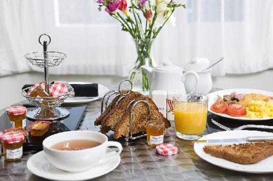 A Great Escape Guest House: A full range of choices for breakfast awaits you