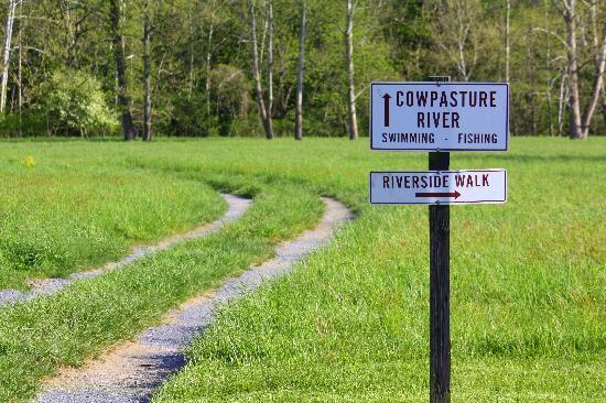 Fort Lewis Lodge: Walk to the Cowpasture River