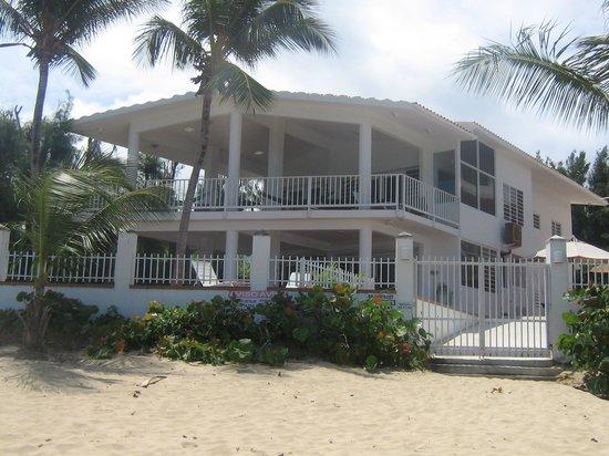 Villa Tropical Oceanfront Apartments on Shacks Beach: Villa Quinones - units 1-4