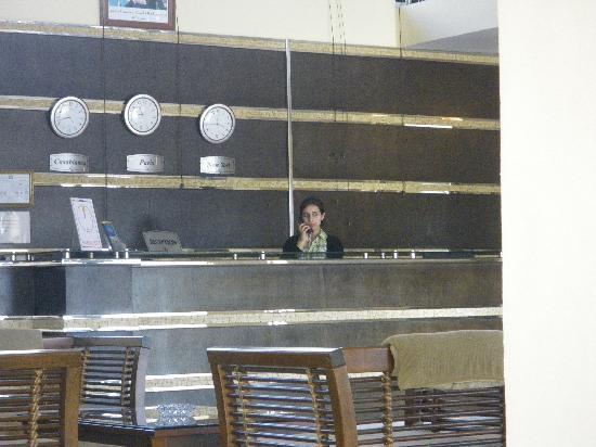 Hotel De La Corniche : entre reception