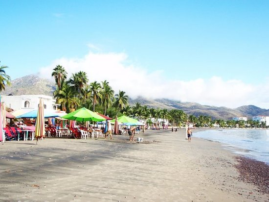 Playa La Audiencia : Manzanillo Bay