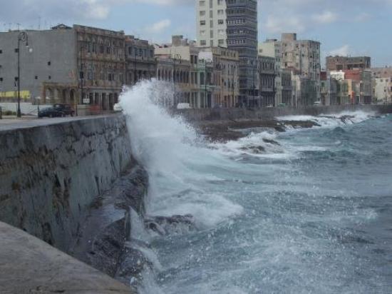 Cayo Guillermo, Cuba: lungo mare Havana
