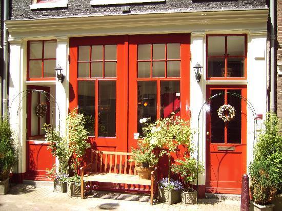 Boogaard's Bed and Breakfast: The front doors