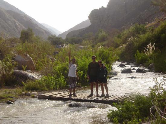 Arica, Chile: algunos  de los puentes para llegar al santuario religioso