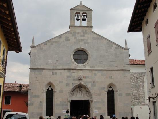 San Daniele del Friuli, อิตาลี: Iglesia de Santa Maria della Fratta (año 1350)... 2010-04-17