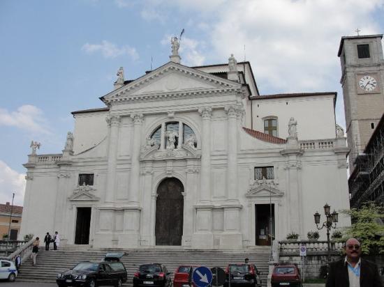 San Daniele del Friuli, อิตาลี: Duomo di San Michele Arcangelo... 2010-04-17