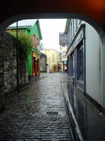 Quiet little alley in Ennis/Inis, Ireland - 8/2003