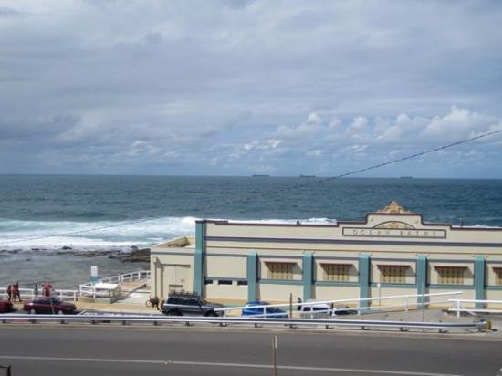 Newcastle, Australia: Ocean baths.. very interesting..